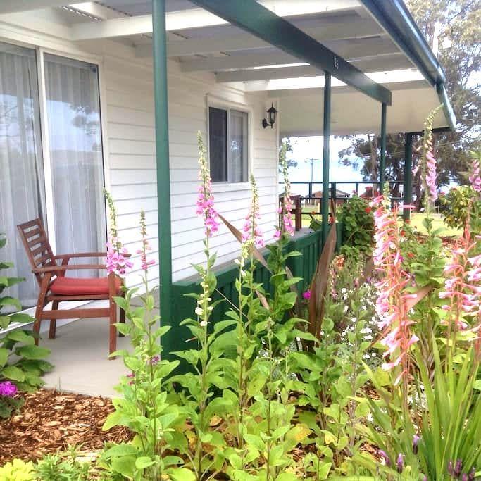 Beach House, Middleton, Tasmania - Middleton - Huis