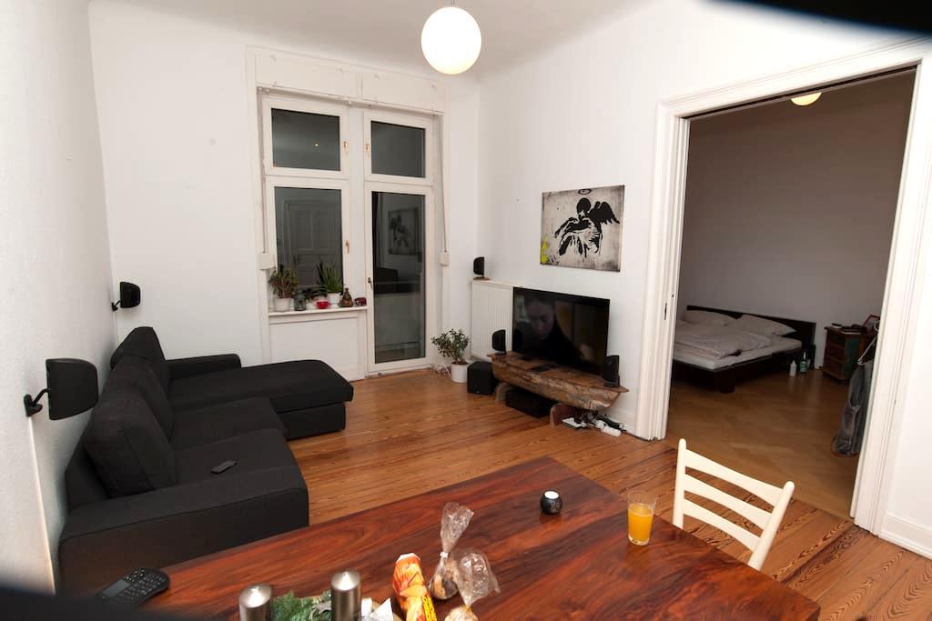 Wunderschöne großzüge Altbauwohnung - Wiesbaden - Appartement en résidence