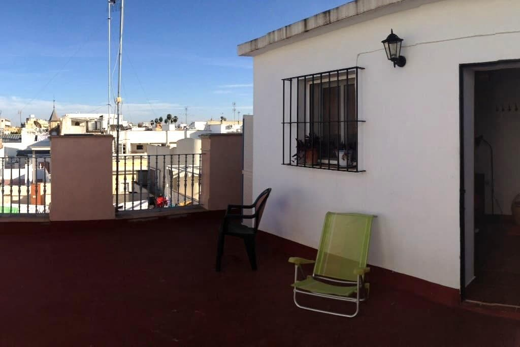 ROOM WITH A VIEW ON ROOF. - Seville - House