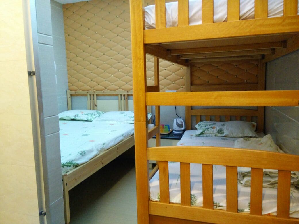 Big hostel for 3pax, 2mins to MTR