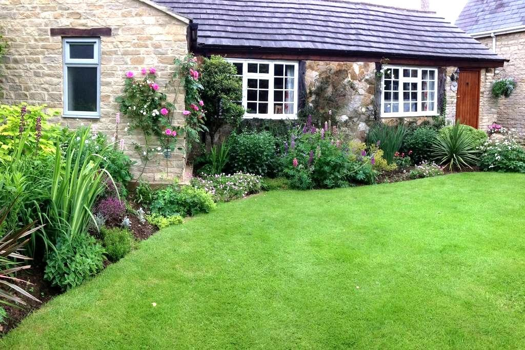 The Old Turkey Barn - Hinton-in-the-Hedges - Bed & Breakfast