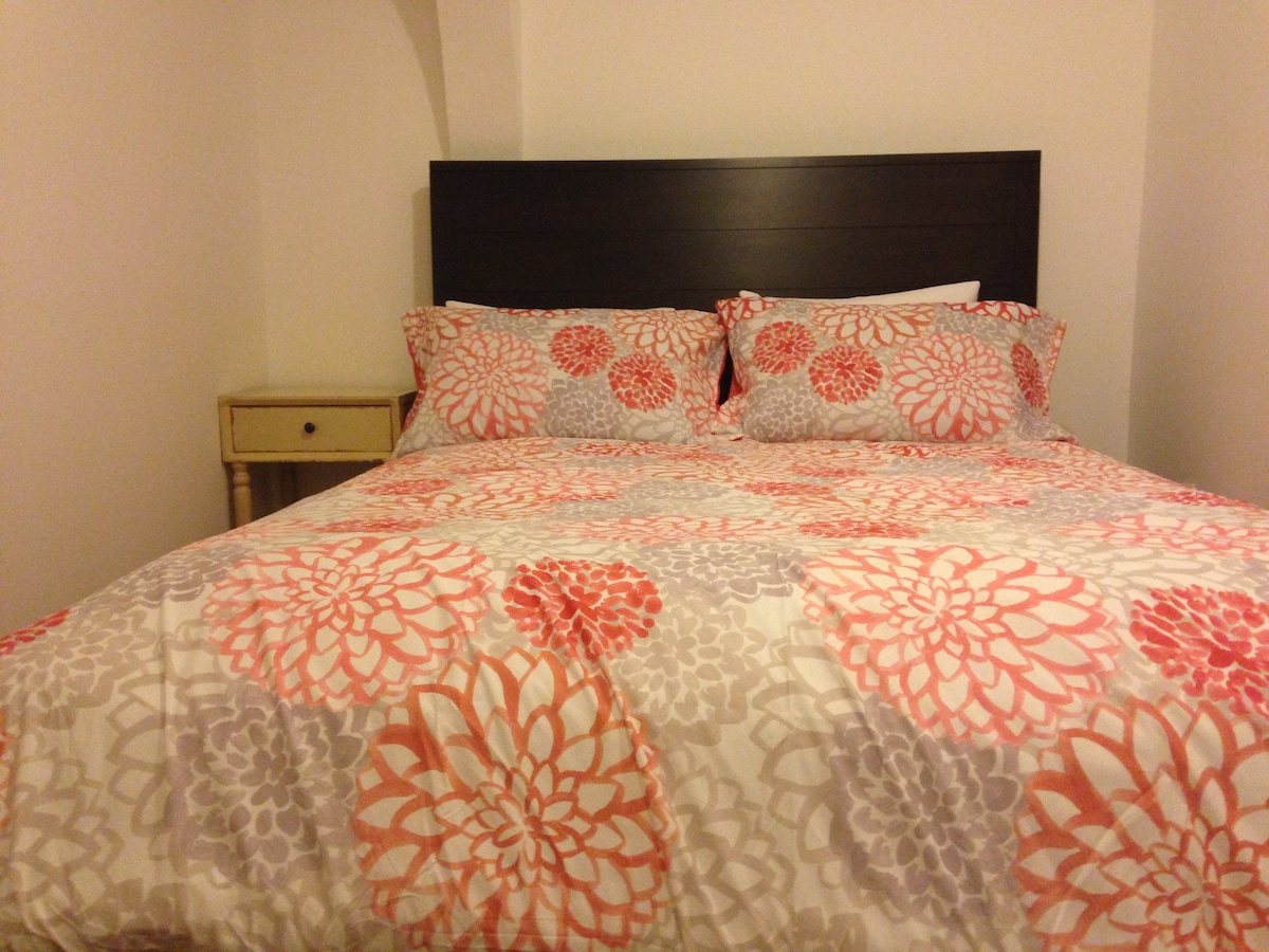Brand new queen real bed + twin bed