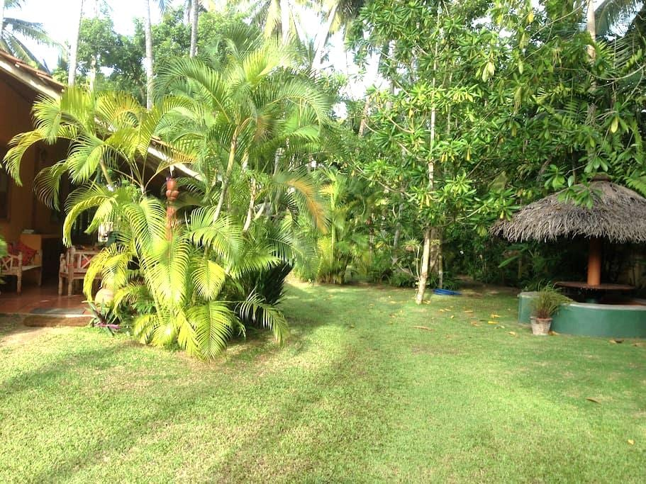 Tropical double bedroom low budget - Unawatuna Southern Province - Apartament