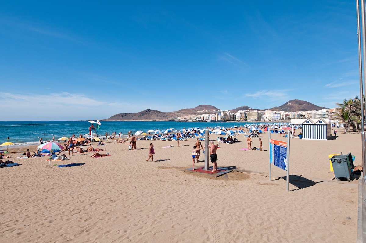 Las Canteras beach is literally when you roll of your bed.  Three kilometres of gorgeous clean and fun beach for you to play\