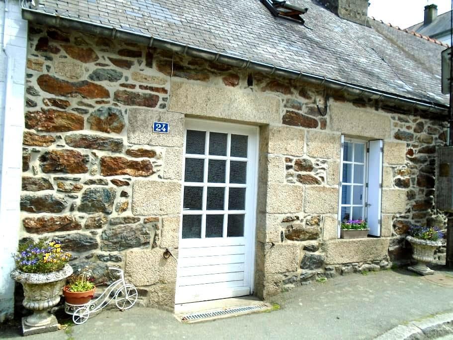 French Cottage-Gite-Brittany-France. - Callac - 一軒家