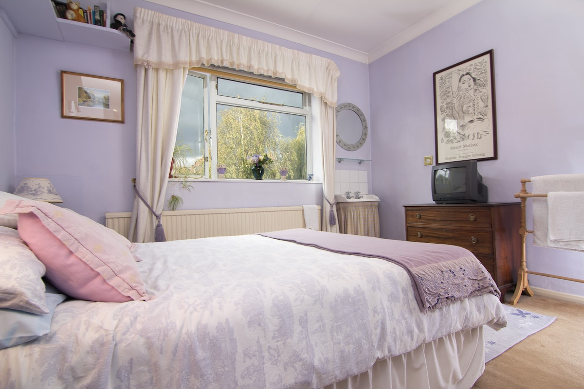 Spacious Double Bedroom in Fulham