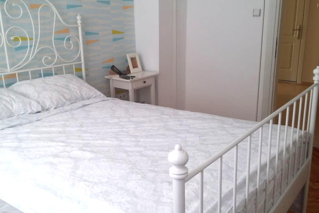 Double room in clean lıght flat in Izmir - Bornova