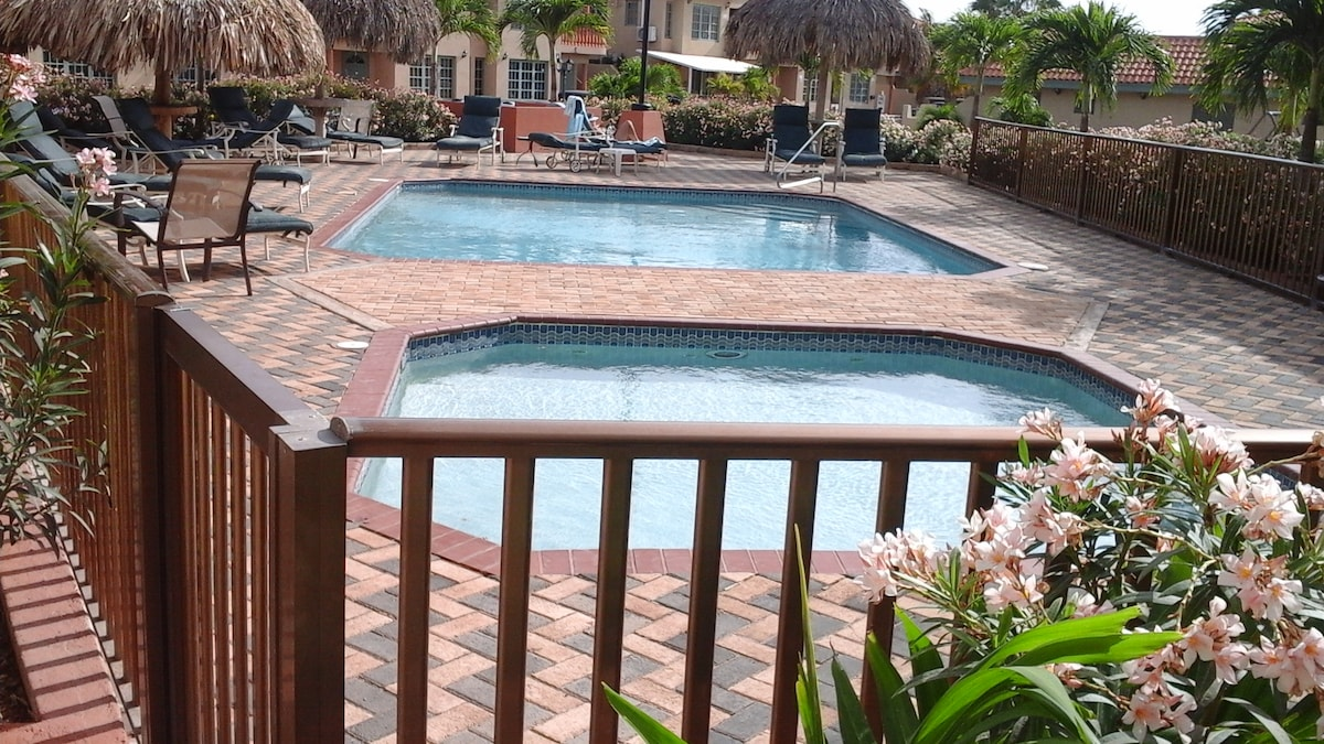 Dream Condo minutes from Palm Beach