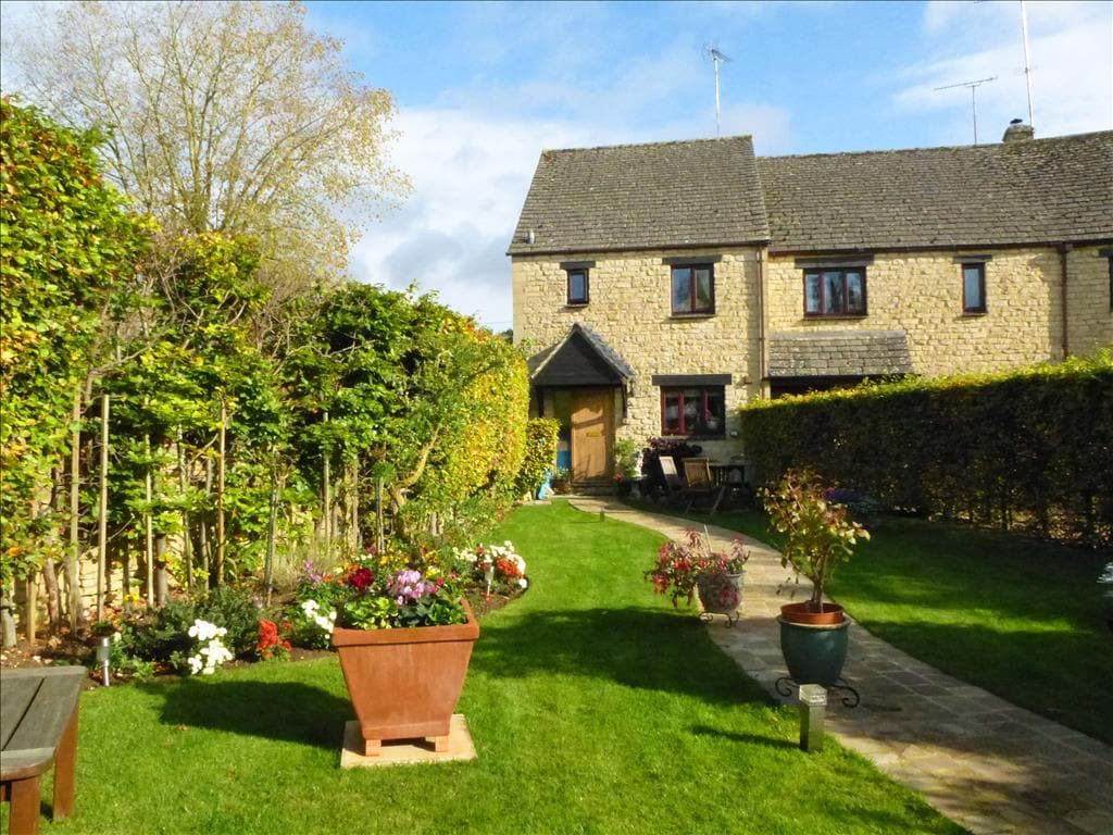 Beautiful Home in Historic Burford