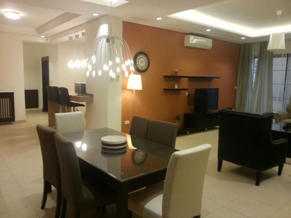 One-bedroom furnished apartment