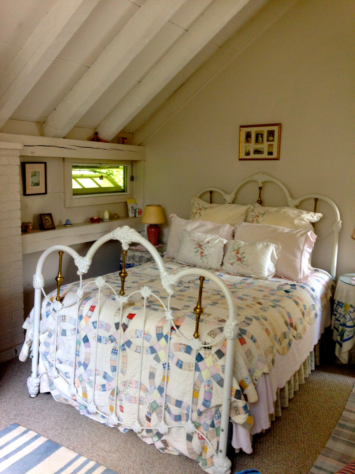 Romantic Cottage Room