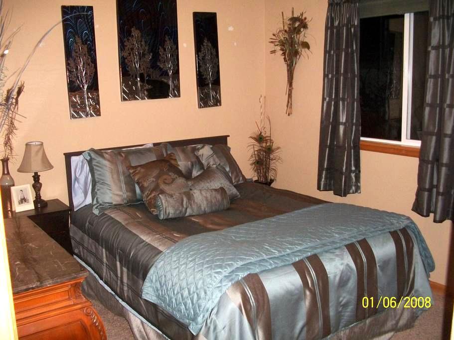 Queen bedroom - Cheyenne