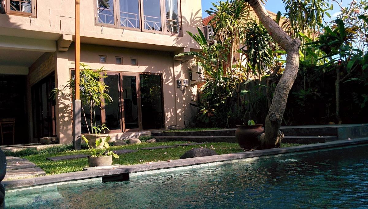 Private Pool , 10 mins ubud center
