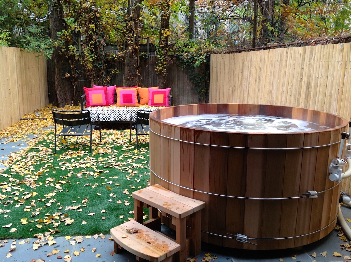 Modern Garden Apt w Outdoor Hot Tub