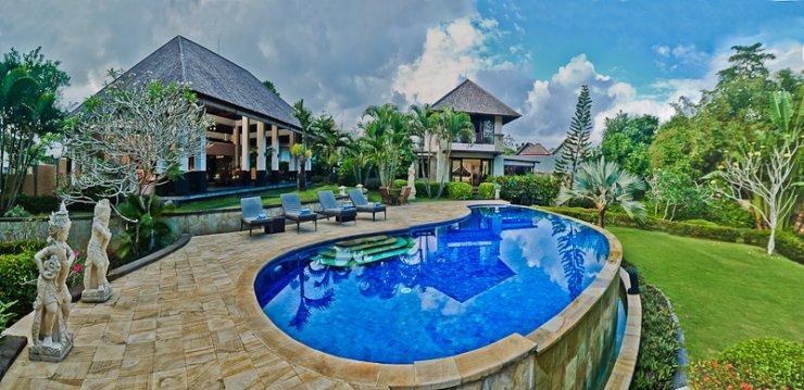 Villa-Menari-Bali 5 BDR family nice