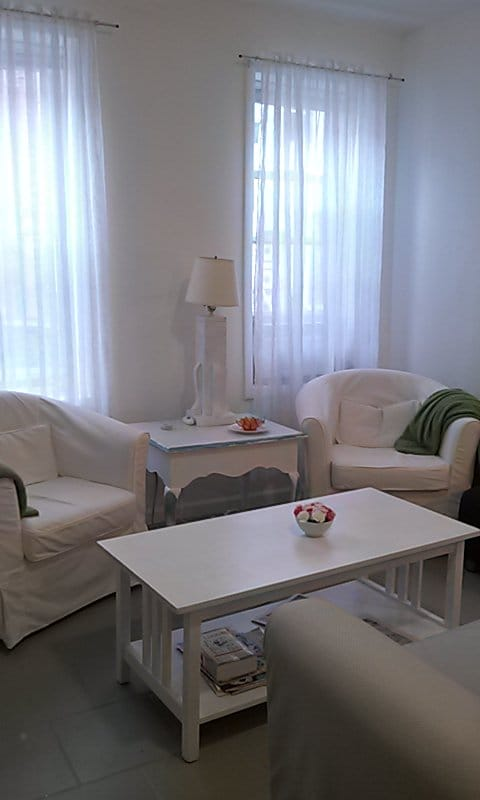 Open bright 3 bdrm  for Pope visit!