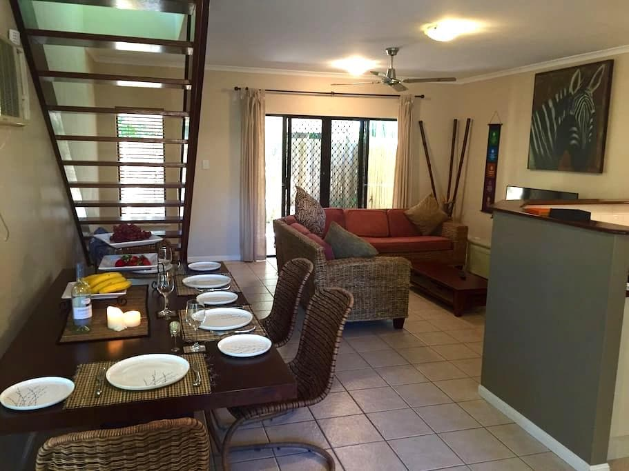 2 Bedroom Townhouse Palm Cove - Palm Cove - Townhouse