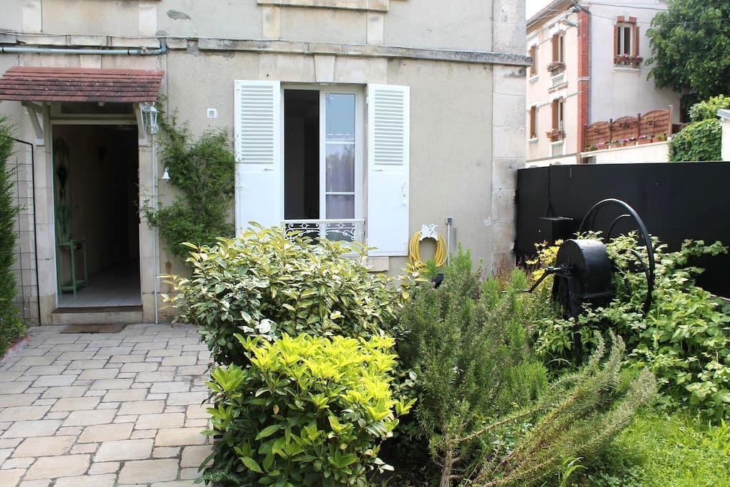 Maison de ville proche de la gare - Auxerre - Ev
