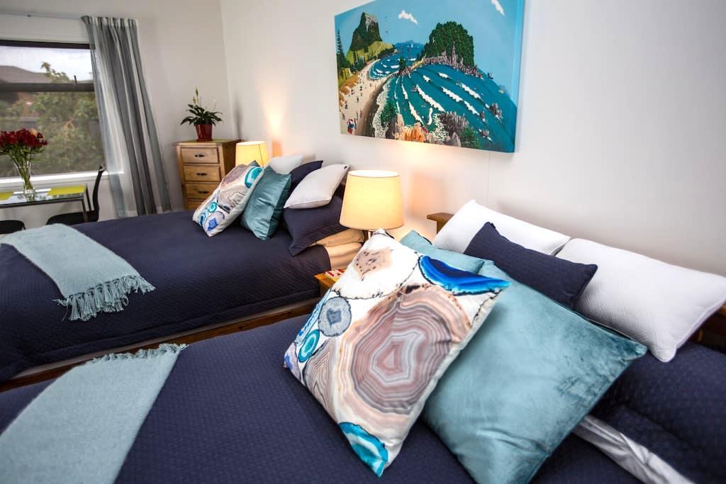 New bespoke luxury studio with garden setting - Papamoa - Aamiaismajoitus