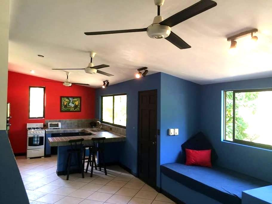 Beautiful Apartment at the Beach - Playa Hermosa - Daire