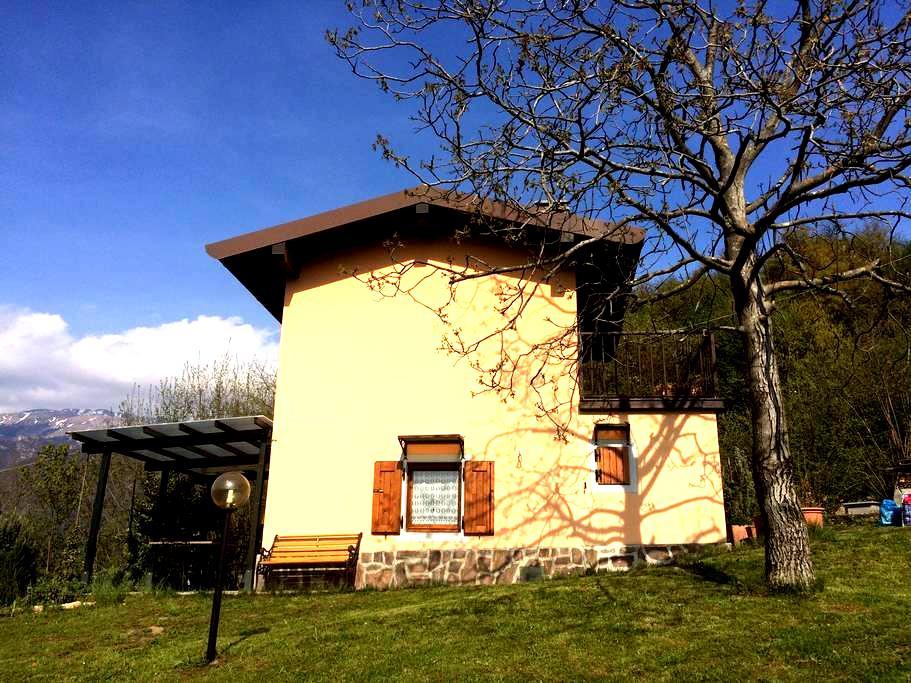 Accogliente casetta monteisola - Masse - Hus