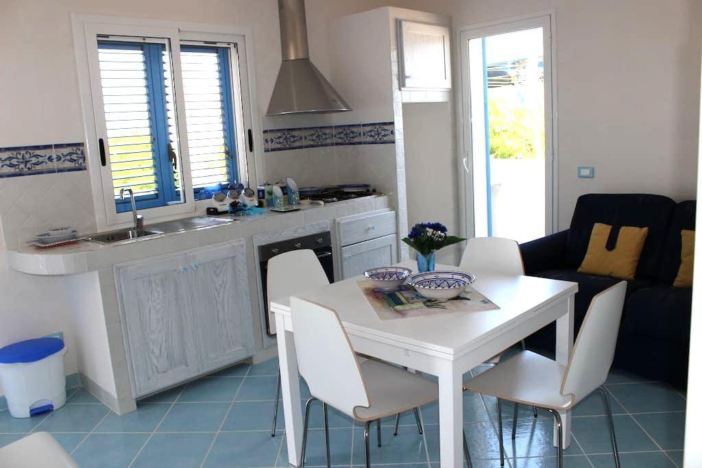 Appartamento che domina il mare - Triscina - Apartment