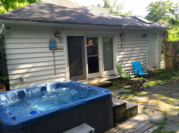 Cottage Heaven with HotTub/Firepit