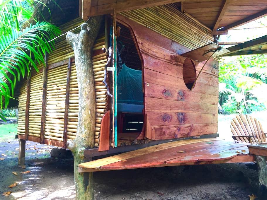 Cabaña Bambu. Ensueños. Little Corn Island