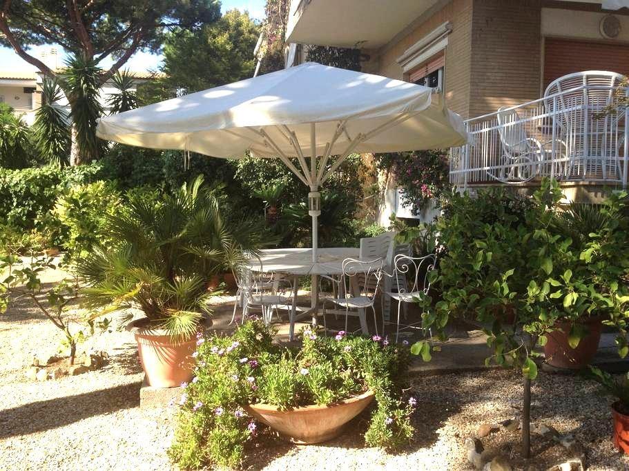 Seaside villa with garden near Rome - Santa Marinella