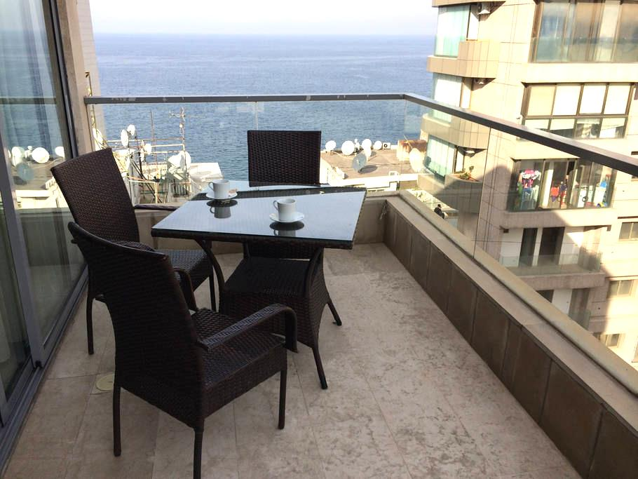 Bright Studio w/seaview balcony - Ain Al Mraiseh