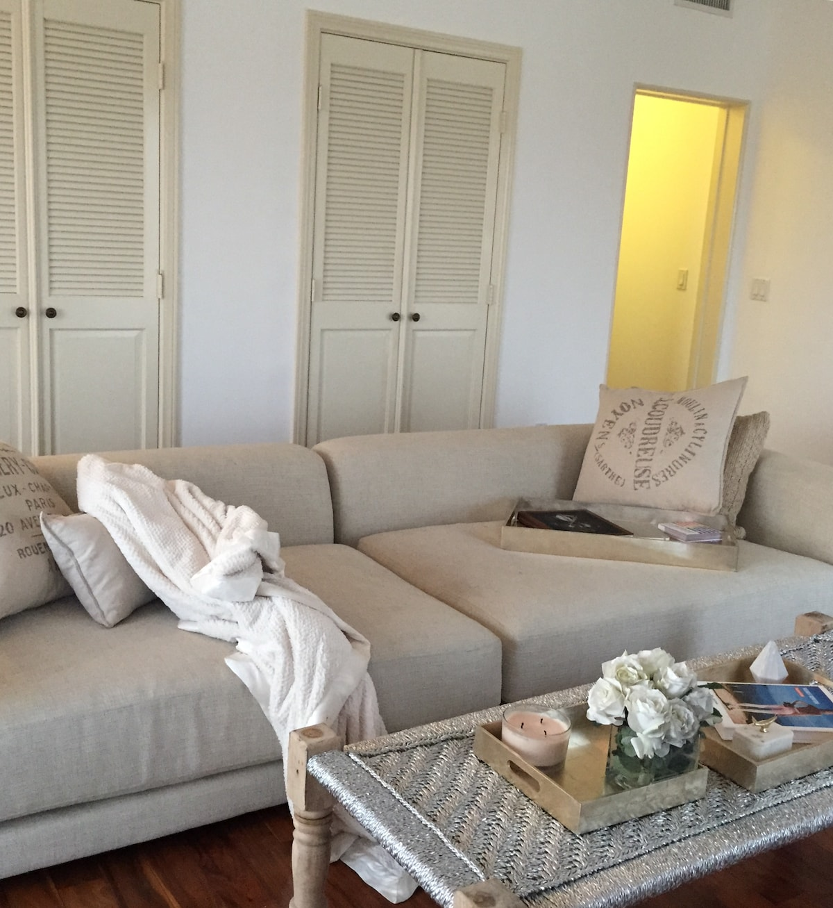 Bedroom 4 Blocks from Rodeo Drive