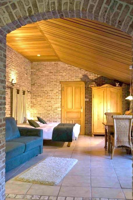 1-room apartment suburb Ghent (2+2) - Laarne - Cabin