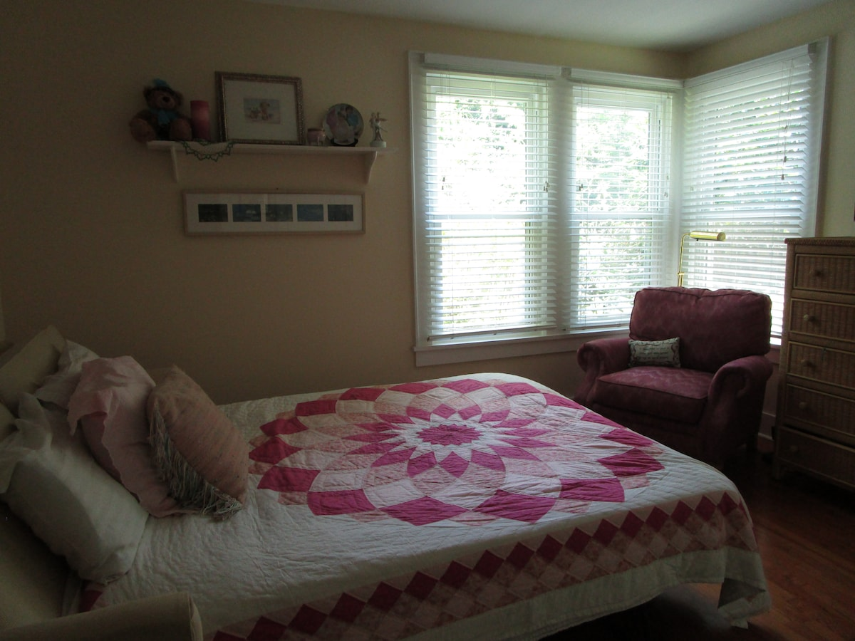 Charming Cottage-Historic Beaufort