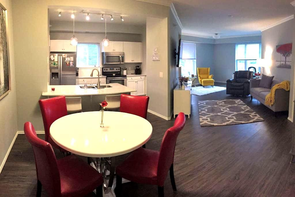 Beautiful 2 Bedroom Condo - perfect for Ryder Cup - Eden Prairie - Pis