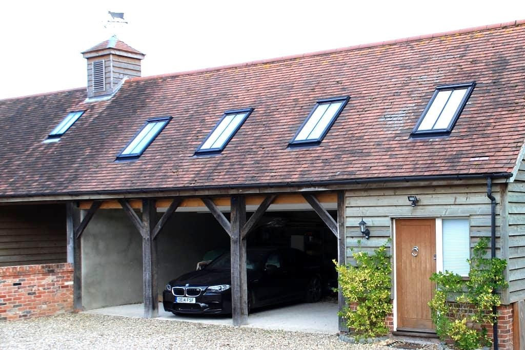 Modern and spacious studio barn annexe near Marlow - Marlow - Other