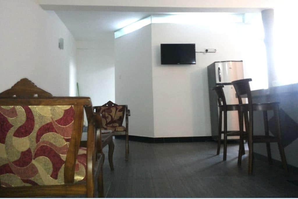 Fully Furnished 1 AC Bedroom Apt - Dehiwala-Mount Lavinia - Apartemen