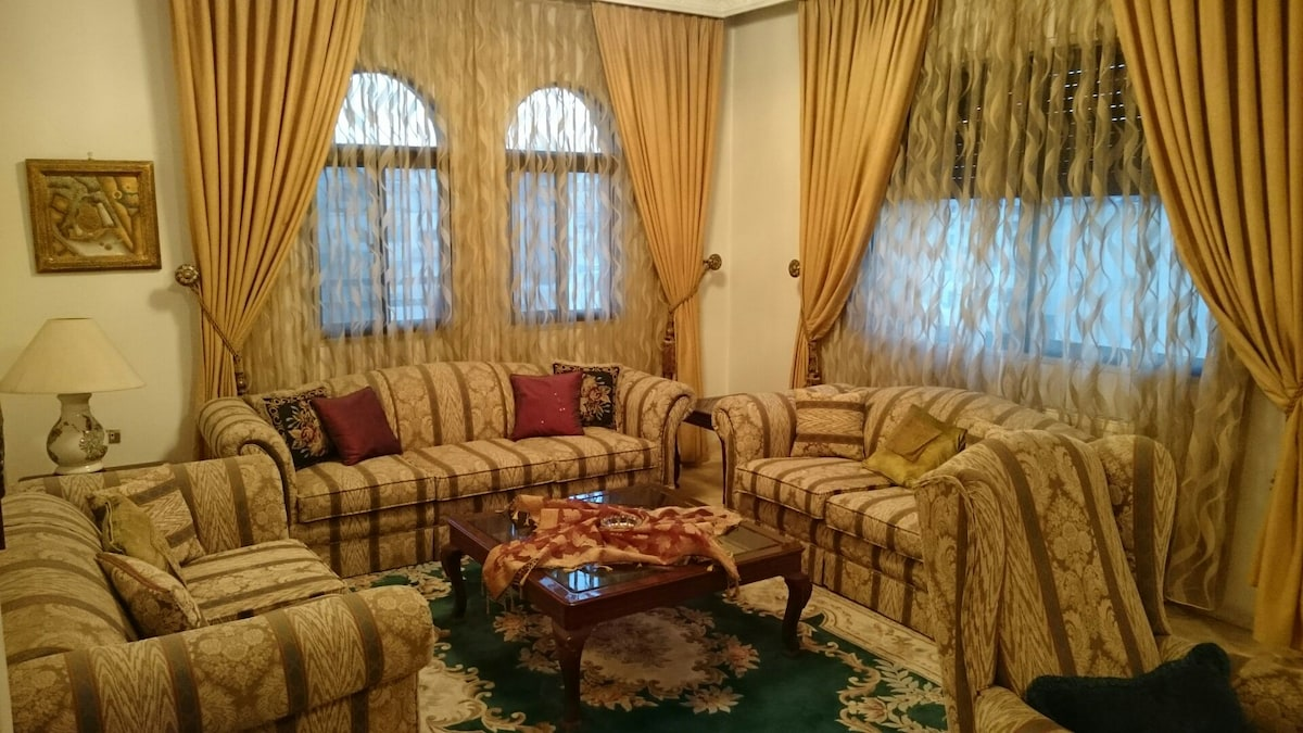 Attractive furnished rooms