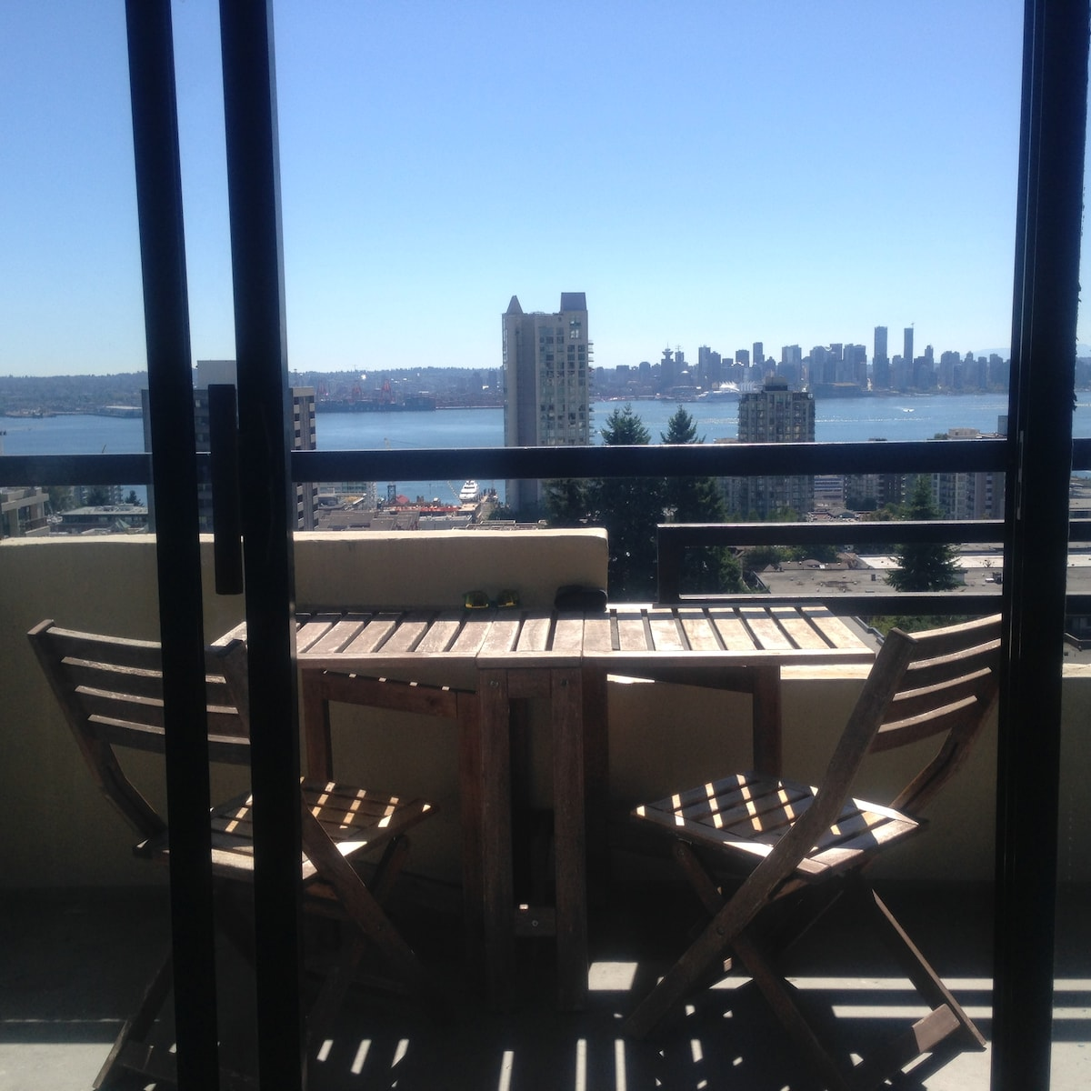 Bright spacious apt. w/ great view