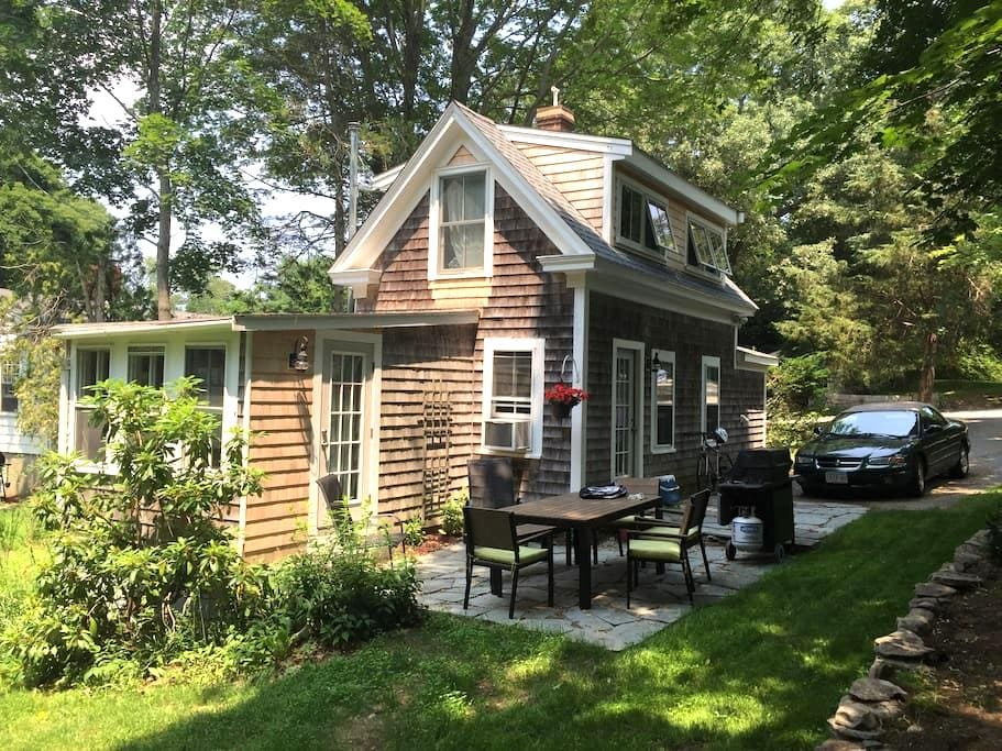 Small cottage on quiet lane - Duxbury