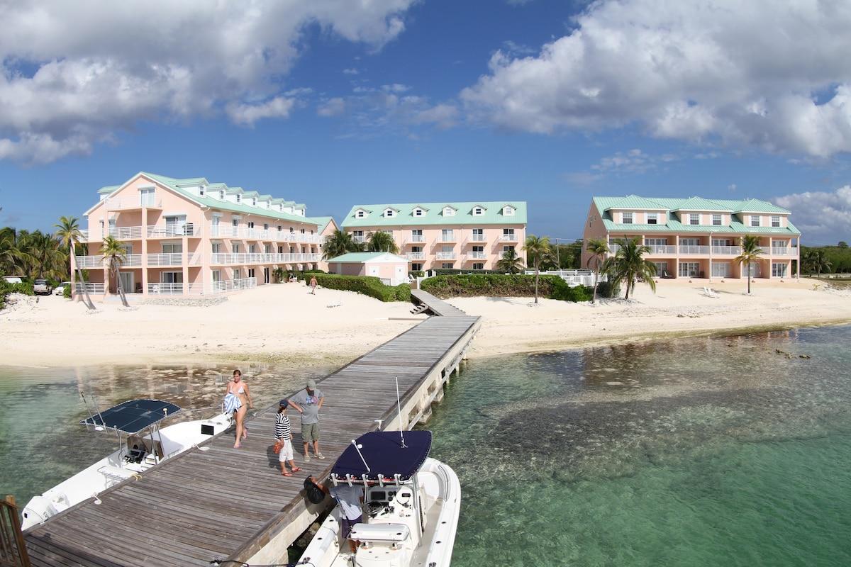 1-BR, ocean-side condo-Cayman Brac