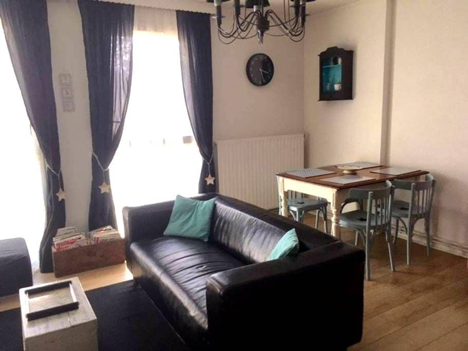 2 bedroomed Flat in Lens centrum - Lens - Wohnung