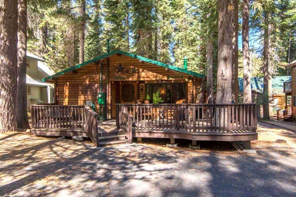 Peaceful Donner Lake Log Cabin Retreat - RCN 996 - Truckee - Stuga