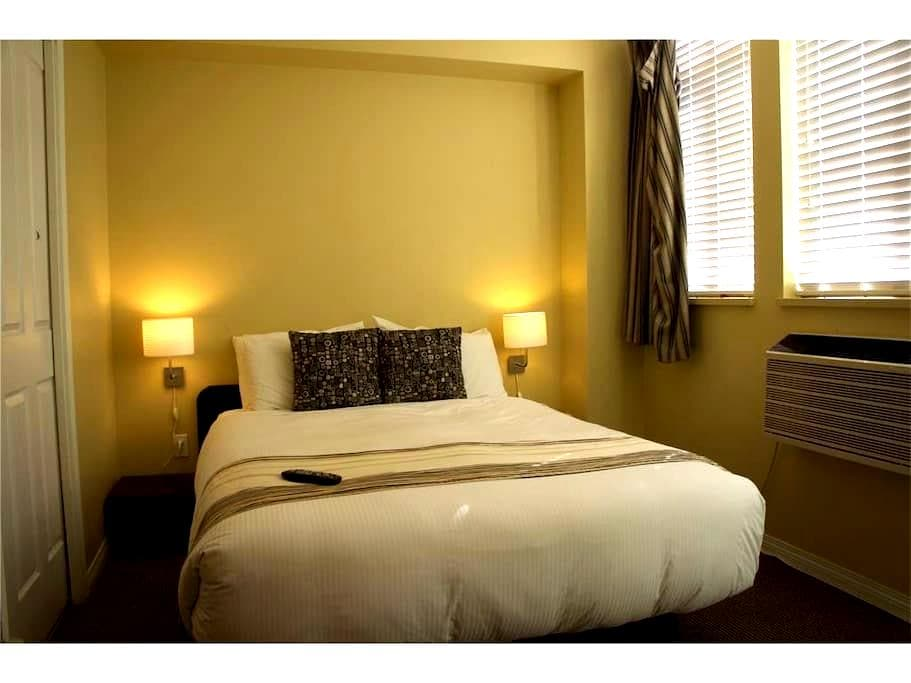 409 North Village One Bedroom - Whistler - Condominio
