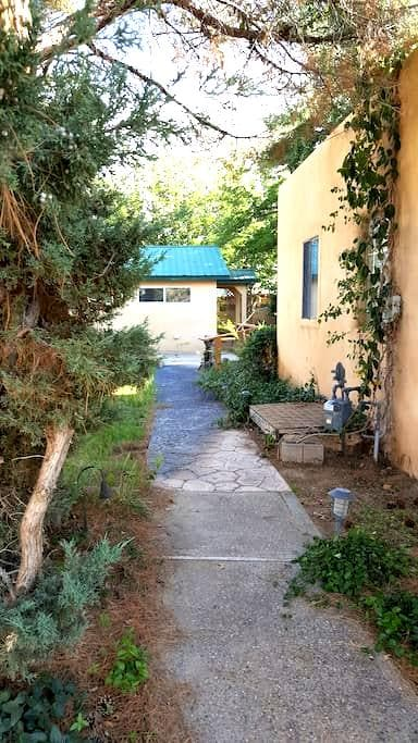Wildwood Place Cottage - Albuquerque - Guesthouse