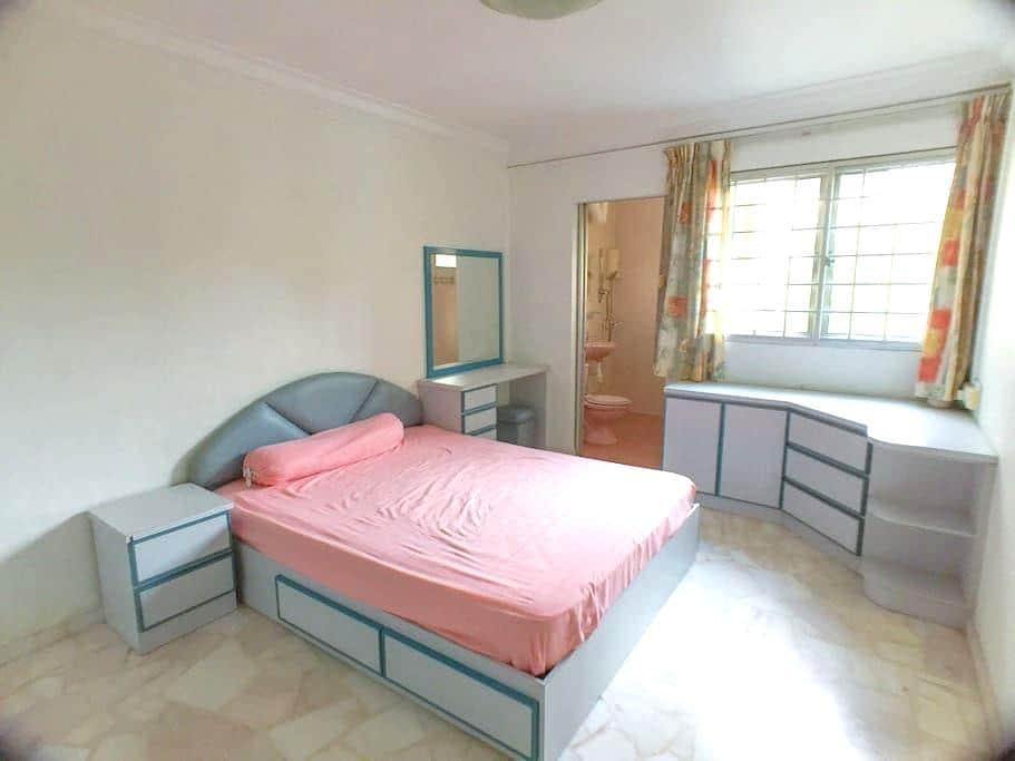 Master Bed room for rent - Singapura - Casa