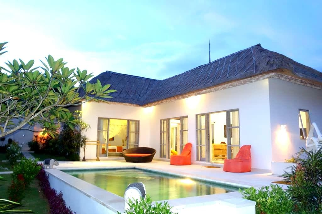 Villa in the peace with 2 rooms - Kuta Selatan - Talo