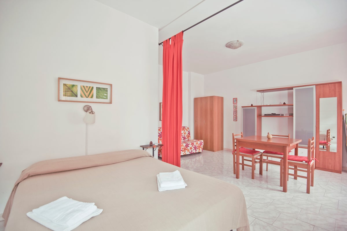 Astra Floor 3km to  Trastevere Area