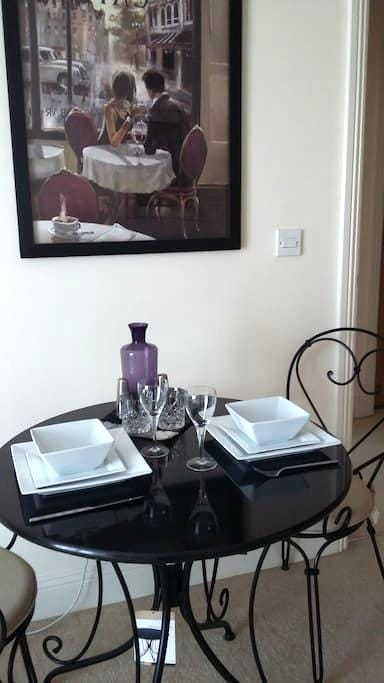 Trendy In Town Apartment - Eastleigh - Pis