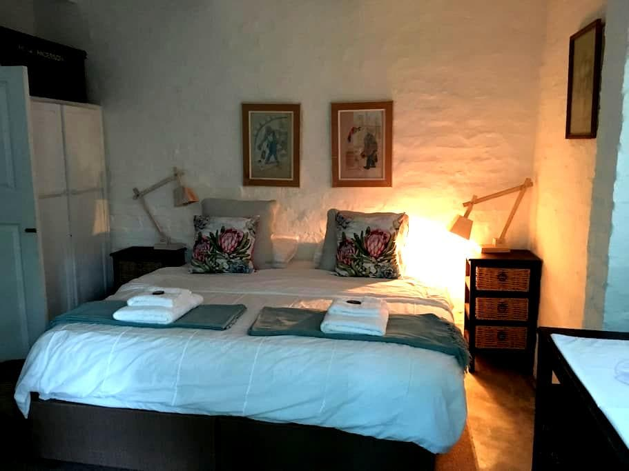 A garden cottage apartment. - Bredasdorp - Apartamento