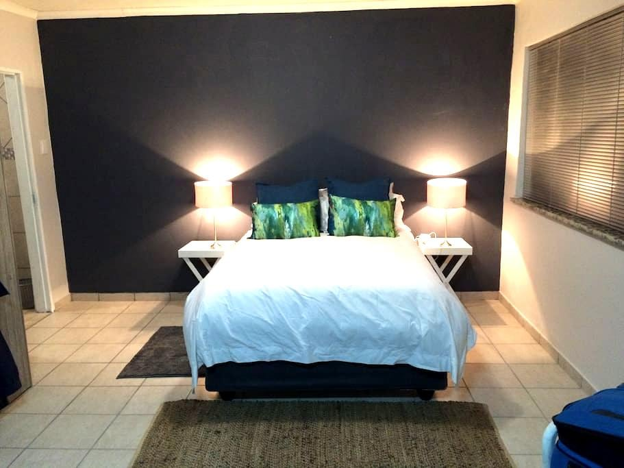 Modern self catering flatlet - Kempton Park - House
